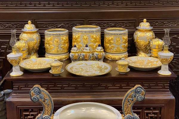 Những mẫu lư hương cần có trên bàn thờ cũng