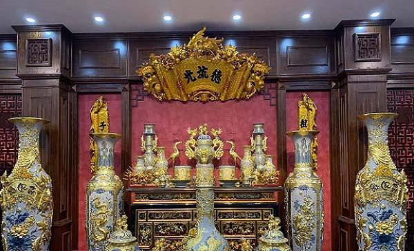 Bộ bàn thờ gia tiên vẽ vàng