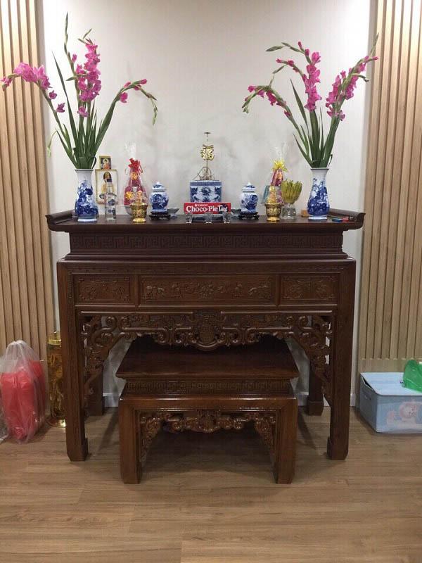 bàn thờ gia tiên tuổi ngọ