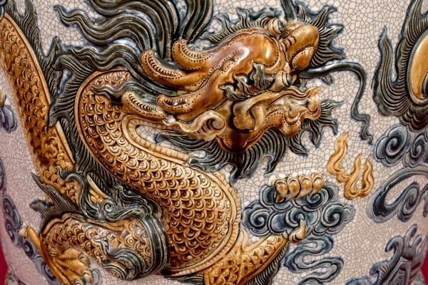 Bát Hương men rạn đắp nổi Long Chầu Nguyệt cao cấp Bát Tràng