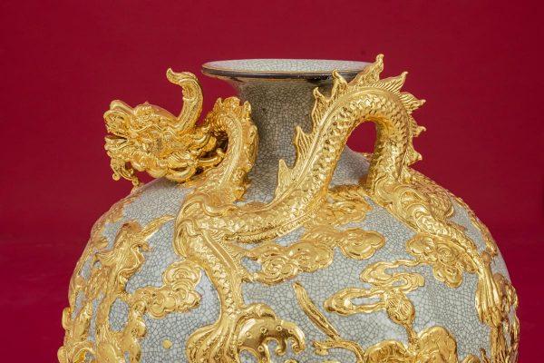 Bình hút lộc Cá Chép Vượt Vũ Môn đắp nổi men rạn dát vàng cao cấp Bát Tràng