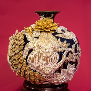 Bình hút lộc Công đào đắp nổi men Coban vẽ vàng Bát Tràng