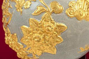 Bình hút lộc Mã Đáo Thành Công đắp nổi men rạn dát vàng cao cấp Bát Tràng