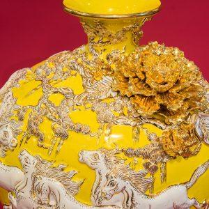 Bình hút lộc Mã Đáo Thành Công đắp nổi men Vàng vẽ vàng Bát Tràng
