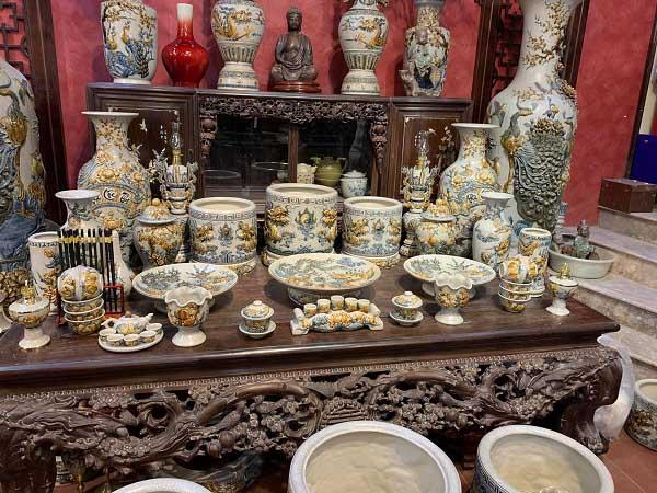 đa dạng mẫu mã bát hương gốm sứ