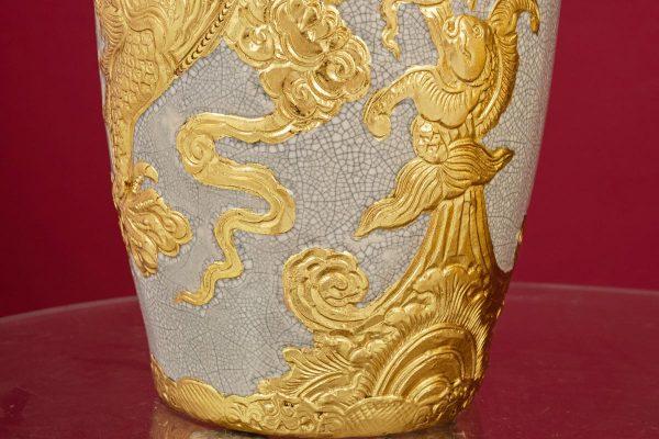 Lọ hoa men rạn đắp nổi Long Quấn Thủy dát vàng cao cấp Bát Tràng