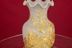 Lọ hoa miệng lượn men rạn đắp nổi Rồng dát vàng cao cấp Bát Tràng