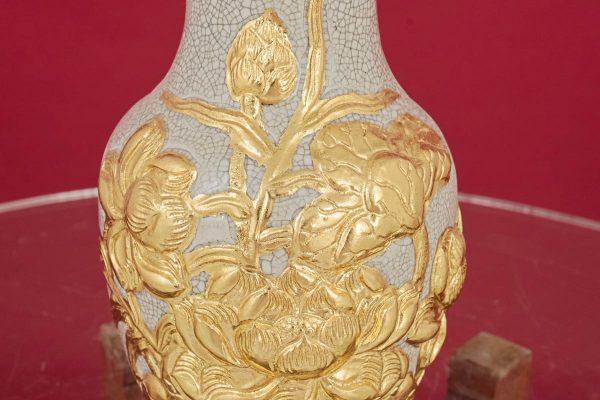 Lọ hoa miệng lượn men rạn đắp nổi hoa Sen dát vàng cao cấp Bát Tràng