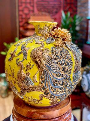 Bình hút lộc Công Đào đắp nổi men Vàng Cao Cấp Bát Tràng